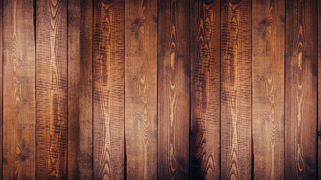 dřevěné oblžení, hnědé