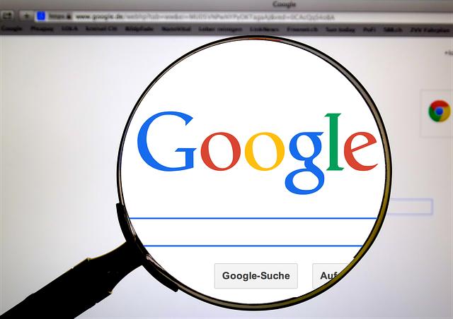 vyhledávání na googlu