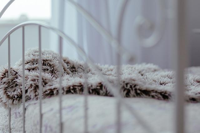 deka na posteli.jpg